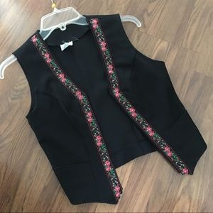 Vintage black vest with floral trim size 6
